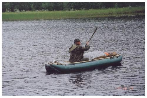 Гомельцы на резиновой лодке
